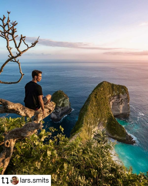 Nusa penida island Tour at kelingking beach