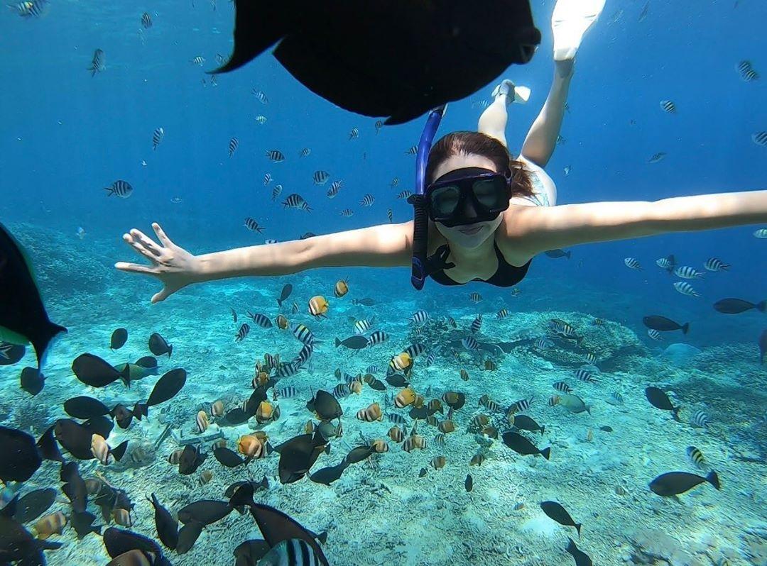 snorkeling at nusa lembongan