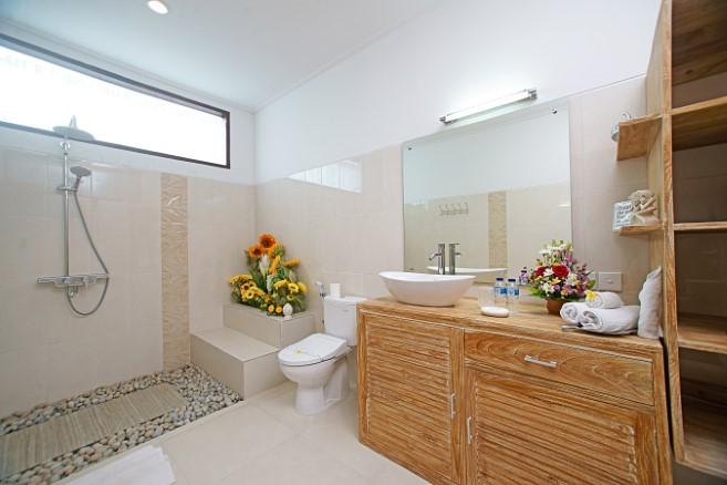 villa alleira 5 bedroom Bathroom